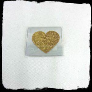 Tepelstickers in de vorm van hartjes.